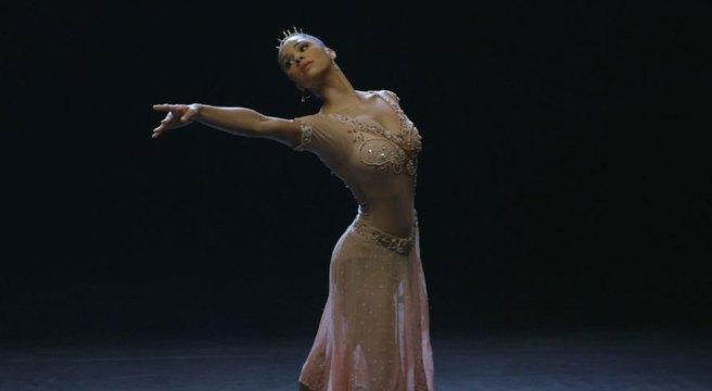 large_Ballerinas-Tale_web_2