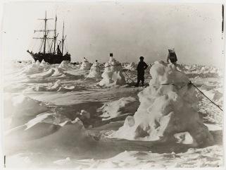 Frank_Hurley_antarctica_Shackleton_south_pole_3